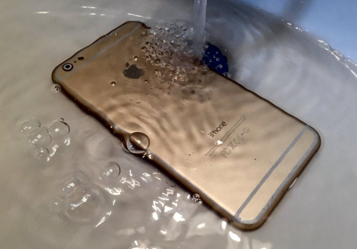 Don't let your iPhone get wet, which could happen with some cheap waterproof iPhone cases.