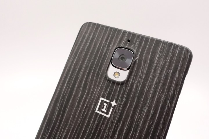 Add to the design with the official OnePlus 3 cases.