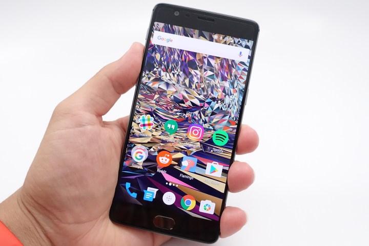 The OnePlus 3 display looks very good.