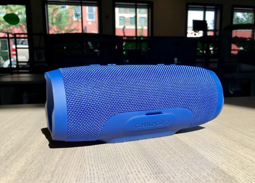JBL Charge 3 Review - Waterproof Bluetooth speaker - 7