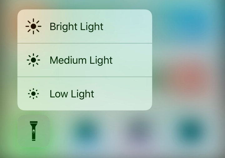 How to change iPhone flashlight brightness in iOS 10.