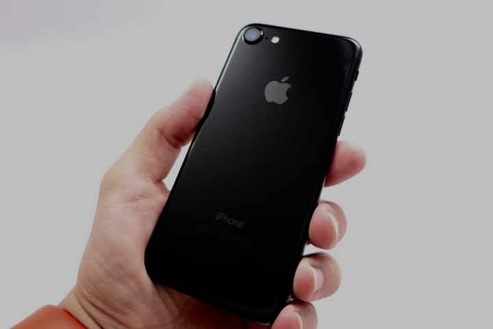 iPhone-7-Jet-Black-11