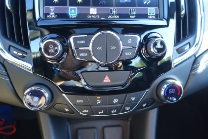 2016-chevy-cruze-review-12