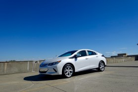 2017-chevy-volt-review-16