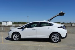2017-chevy-volt-review-17