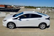 2017-chevy-volt-review-21