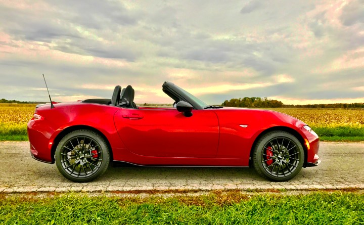 2017-mazda-mx-5-miata-club-review-5