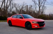 2016-dodge-charger-sxt-review-1
