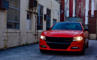 2016-dodge-charger-sxt-review-16