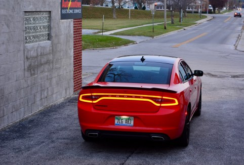 2016-dodge-charger-sxt-review-19