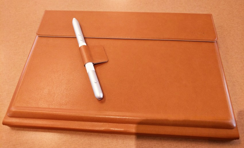 huawei-matebook-front-with-pen