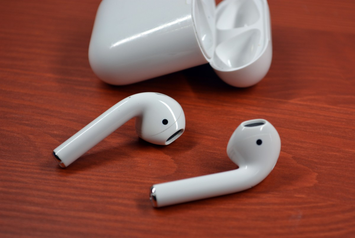 How to Pair Apple AirPods to iPhone, iPad, Mac and Apple Watch - IPhone Tips and Tricks