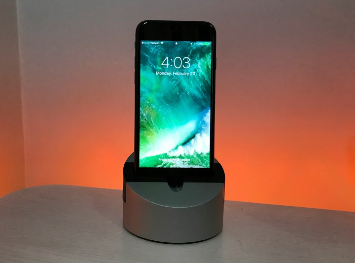 The Henge Docks Gravitas is a versatile iPhone and iPad dock.