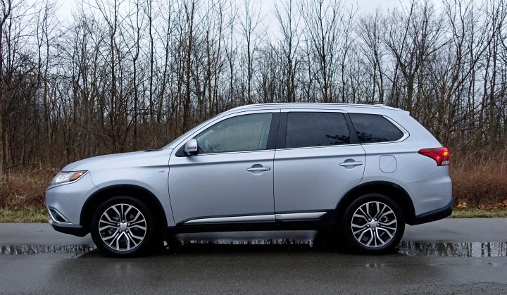 The 2017 Mitsubishi Outlander GT drives best at cruising speeds.