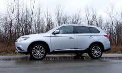 2017 Mitsubishi Outlander GT Review - 3