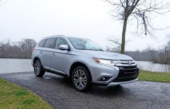 2017 Mitsubishi Outlander GT Review - 5