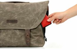 vitesse messenger bag side pocket
