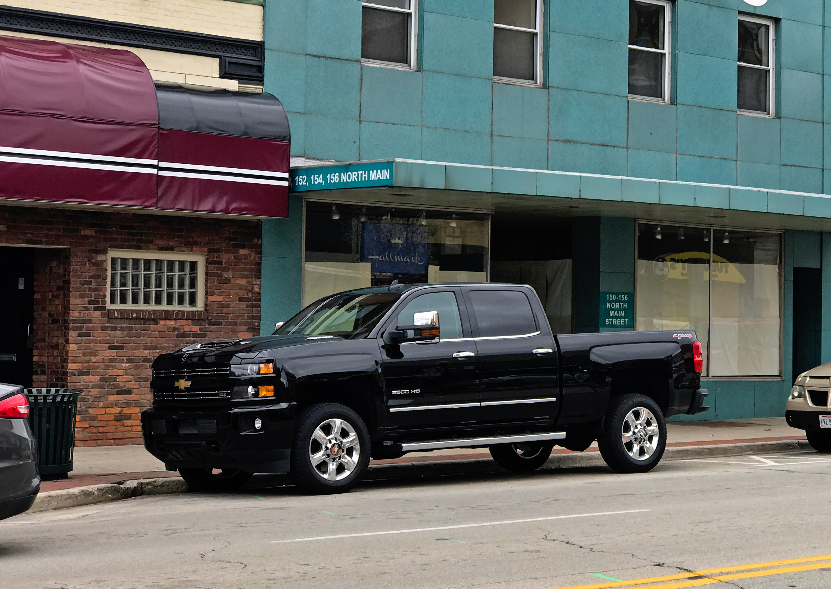 Chevy 2500 Towing Capacity >> 2017 Chevy Silverado 2500HD Review: Duramax Diesel