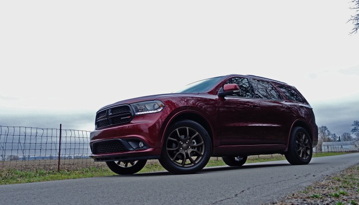 The 2017 Dodge Durango performance is good even with the base V-6.