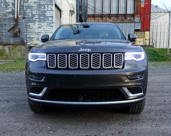2017 Jeep Grand Cherokee Review - grill
