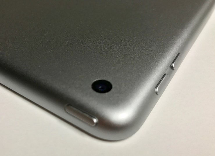 new 2017 ipad camera and volume buttons