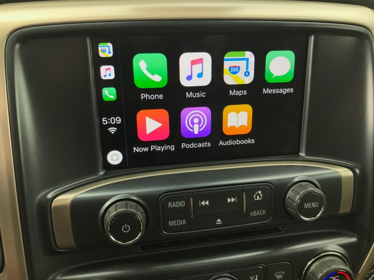 With OnStar, Android Auto and Apple CarPlay support the Sierra 2500 Denali HD includes the tech you need on the road and while working.