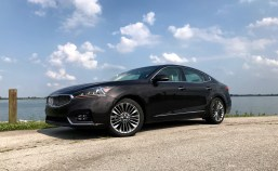 2017 Kia Cadenza Review - 19