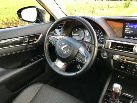 2017 Lexus GS 200t Review - 12