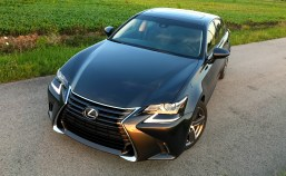 2017 Lexus GS 200t Review - 14