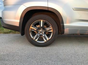 2017 Toyota Highlander Review - 10