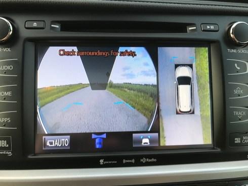 2017 Toyota Highlander Review - 16