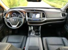 2017 Toyota Highlander Review - 4