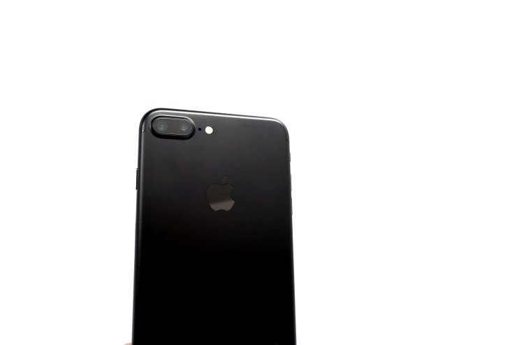 Expect Staggered iPhone 8 Release Dates
