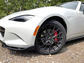 2017 Mazda MX-5 Miata RF Review - 10