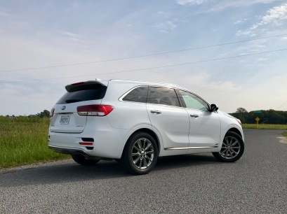 2017 Kia Sorento Review - 18
