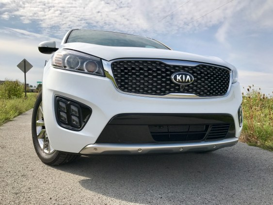 2017 Kia Sorento Review - 22