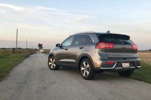 2017 Kia Niro Review - 10
