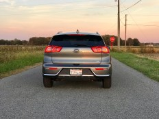 2017 Kia Niro Review - 12
