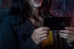 Razer Phone Lifestyle - 12