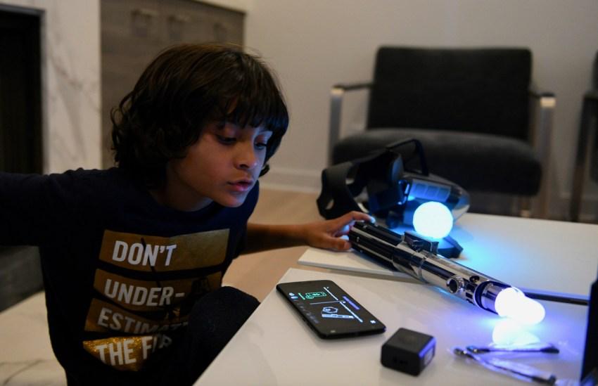 Setting up Star Wars Jedi challenges lightsaber