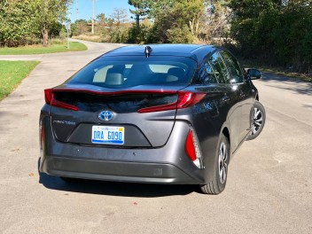 2017 Toyota Prius Prime Review - 11