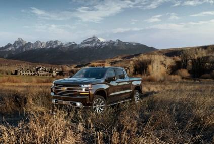 2019-Chevrolet-Silverado-004.jpg?w=423&h