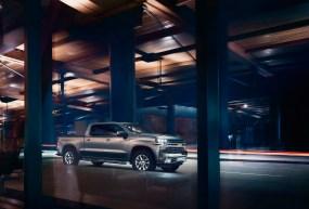 2019-Chevrolet-Silverado-011.jpg?w=285&h