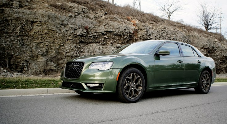 2018 Chrysler 300 Review -3