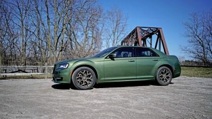 2018 Chrysler 300 Review - 8