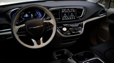 2018 Chrysler Pacifica Hybrid Review - 13