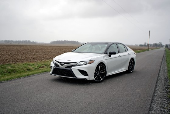 2018 Toyota Camry Review - 16