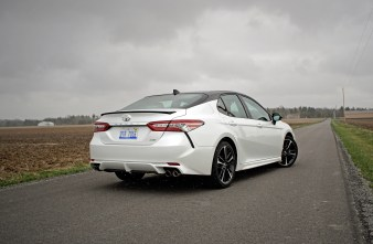 2018 Toyota Camry Review - 17