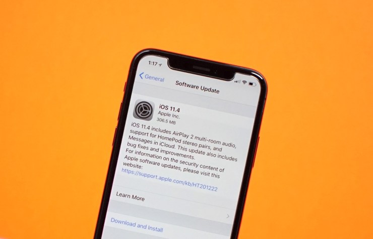 Install iOS 11.4.1 for Messages in iCloud