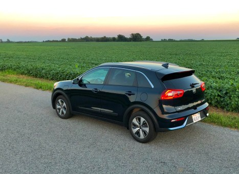 2018 Kia Niro PHEV Review - 21